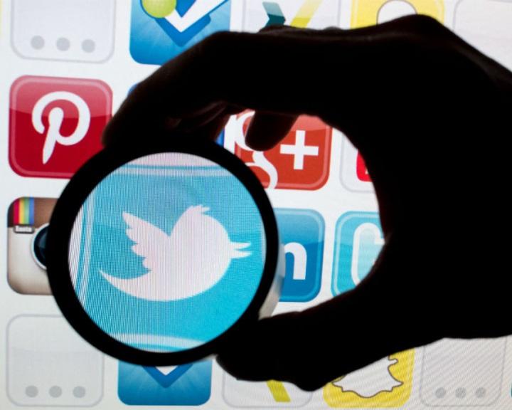 Az EB fokozottabb fellépést sürget az illegális online tartalmak ellen