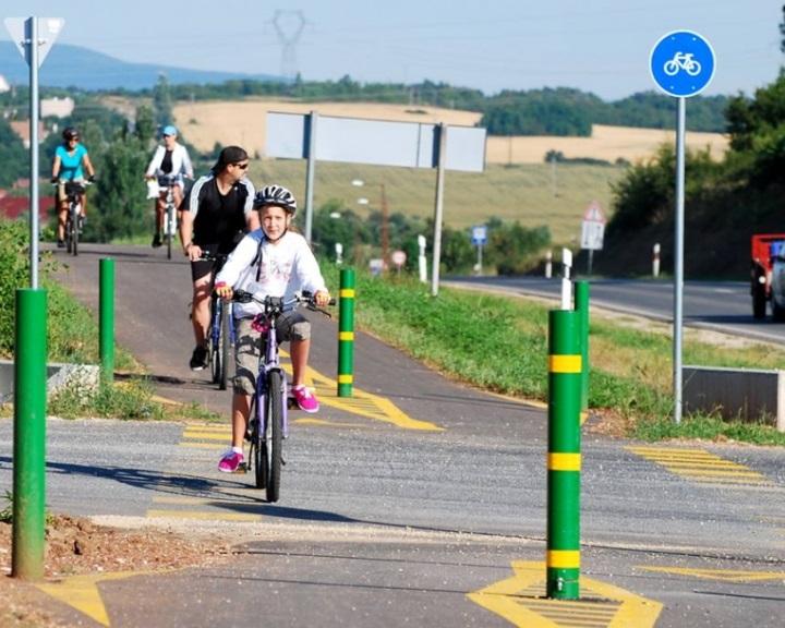 Újabb kerékpárutak építéséről döntöttek, a Magyar Közúthoz kerül az utak üzemeltetése