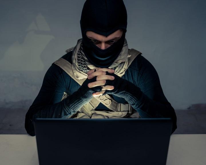 EB: gyorsabbá kell tenni a terrorpropaganda eltávolítását az internetről