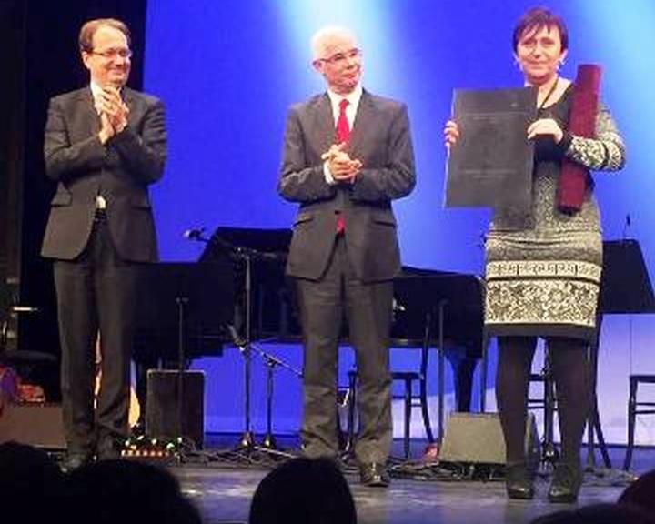 Elismerés a Közösségek Háza, Színház- és Hangversenyterem részére.