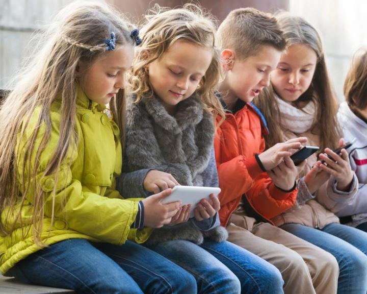 A Facebook nem való a kisgyerekeknek a szakértők szerint