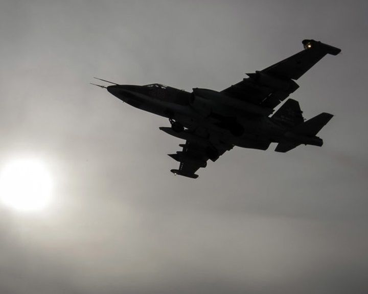 Szíria: Egy ellenzéki csoport lelőtt egy orosz csatarepülőt
