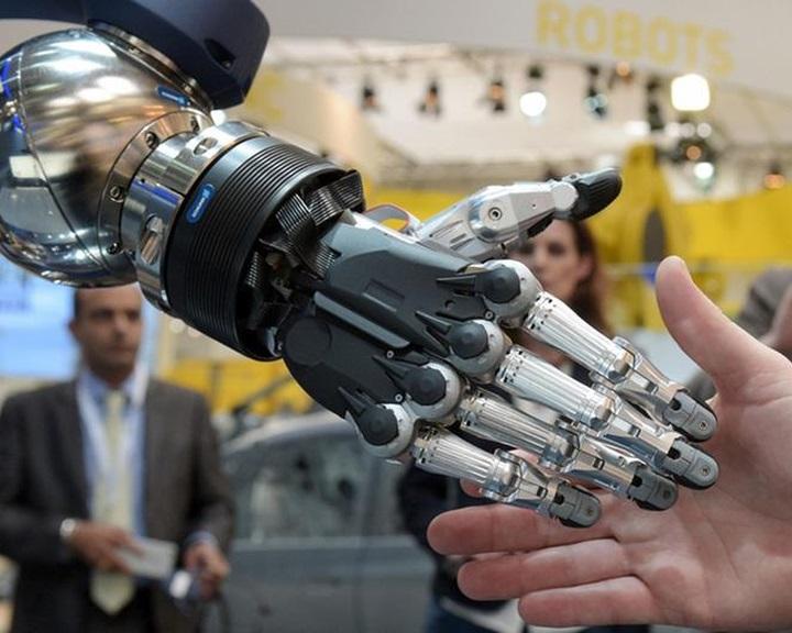 Jönnek a robotok: öt éven belül 3-4 millió munkahely szűnhet meg Németországban