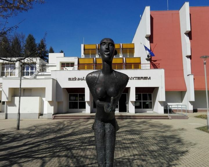 Tizenkét produkciót hívnak meg a Komlói Amatőr Színházi Találkozóra