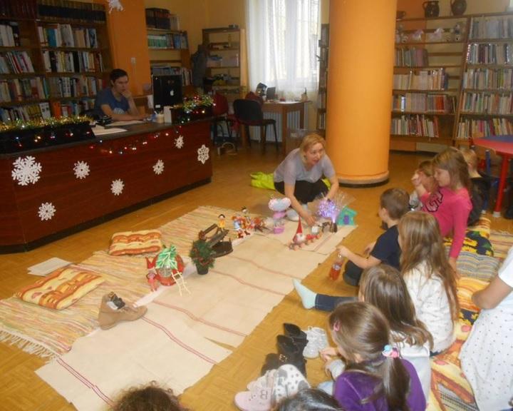 Dinoszauruszok a könyvtárban - megújul a komlói gyermekkönyvtár