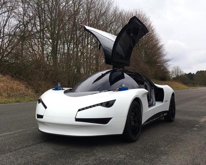 Autonóm elektromos autó készül