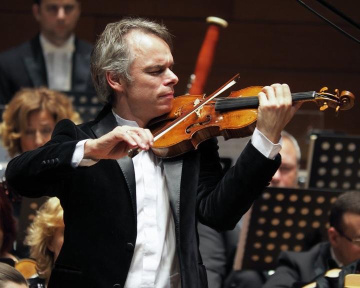 Titánium-évadot hirdetett pécsi Pannon Filharmonikusok zenekar