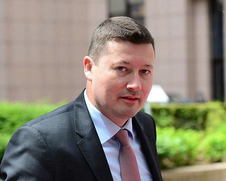 Az Európai Parlament Selmayr kinevezése miatt bírálta az Európai Bizottságot