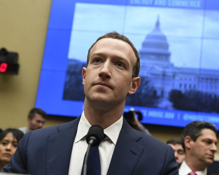 EP-képviselők : Zuckerbergnek meg kell jelennie az Európai Parlamentben