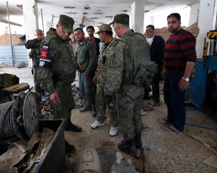 Moszkva: német klórt, brit füstbombákat találtak Kelet-Gútában