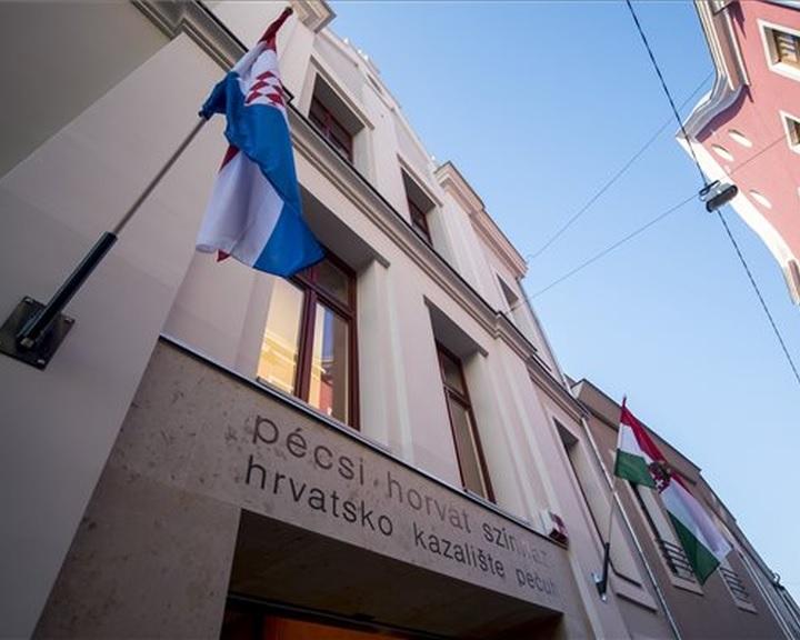 Átadták a felújított és kibővített Pécsi Horvát Színházat