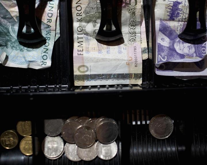 Svédországból végleg száműzhetik a készpénzt