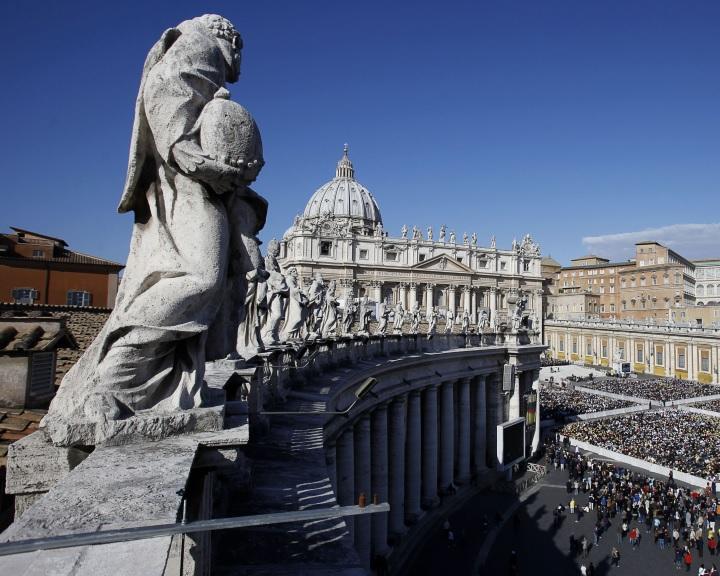 Bíróság előtt a vatikáni bank volt elnöke