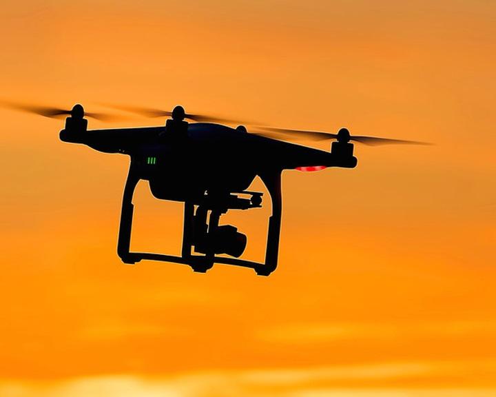 Az EP jóváhagyta a drónok biztonságos reptetését célzó szabályokat
