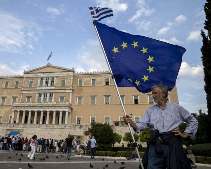 Hivatalosan is véget ért a görög válság