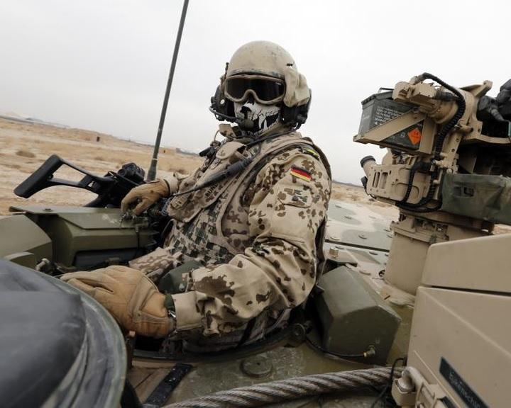 Meg kell kettőzni a német védelmi büdzsét, hogy megfeleljen a NATO elvárásainak
