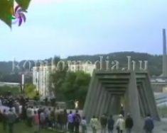 Szeptember 2-án koszorúkat helyeztek el a Bányászemlékműnél