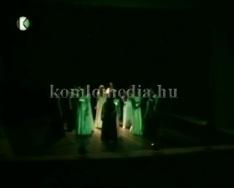 Jótékonysági előadás a színházban a Komló Városi Gyermek - és Ifjúságért Közalapítványnak