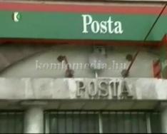 Akadálymentes feljáró készült a komlói nagypostánál (Szivi László, Páva Zoltán)