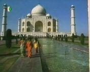Indiába mennek…