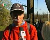 Budapestről érkező túrázóval tartott a Kenderföldi iskolás csapat (Toplak József)
