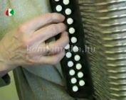 Száj-és gombharmonikás művésszel beszélgettünk (Wache Jánosné Margit)