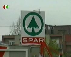 Új nagyáruház a játszótér helyén ( Szigeti Szabolcs)