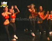 Szilvási aerobikosok a színházban (Réfi Eszter)