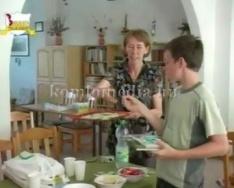 Parlagfű szedési akció (Dr. Leidecker Ildikó, Ambrus Lászlóné)