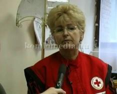 Véradás és ruhaosztás a Komlói Vöröskeresztnél
