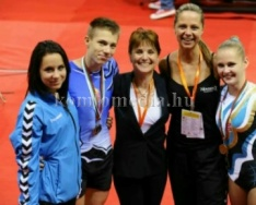 Sikeresen szerepeltek a Komlói Sportaerobikosok (Réfi Eszter, Sümegi Odett, Bábel Felicitá