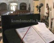 Scola a katolikus templomban (Kósa Tibor, Gács Krisztián,  Kuizs Gyöngyi, Litvai Attila)