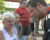 A Városház-téren tüntetett az MSZP Komlói Szervezete