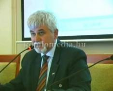 Komló Város Önkormányzat képviselő - testületi ülése 2012. december 14.