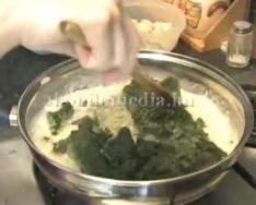 Főzzünk együtt spenótos-sajtos tésztát (Szabó Noémi)