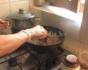 Süssünk húsos makarónit (Márk Sarolta)