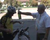 A polgármester fogadta a 8000 km-t megtett kerékpárost (Szinyákovics Béla)