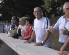 Tisztelgett a komlói közélet a balesetben elhunyt bányászok emlékműve előtt (Pozsár Sándor