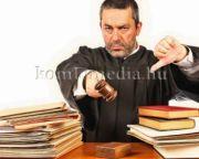 A bírók a bankok mellé álltak (Dr. Varga-Damm Andrea)
