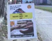 Ruhát és ételt osztott a rászorulóknak az MSZP komlói szervezete (Dr. Barbarics Ildikó, Sz