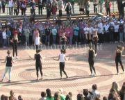 Diákok adtak színvonalas műsort a Városház téren (Huszár Zoltán)