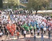 Az 50 éves Gagarin iskola műsora a Városház téren