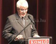 A polgármester ünnepi beszéde a színházból (Polics József)