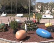 Húsvéti dekoráció és állatsimogató várja a kicsiket a Városház téren