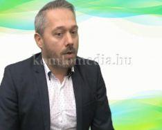 Egy komlói bankfiók támogat több városi szervezetet (Molnár Péter)