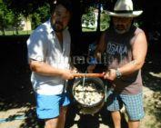 Bográcsos mákosguba fesztivált szervezett egy komlói lakóközösség
