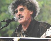 Életműdíjat vehetett át a komlói gitáros (Murka Gyula)