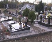 Felkészült a közelgő ünnepekre a temető (Konyári Zsolt)